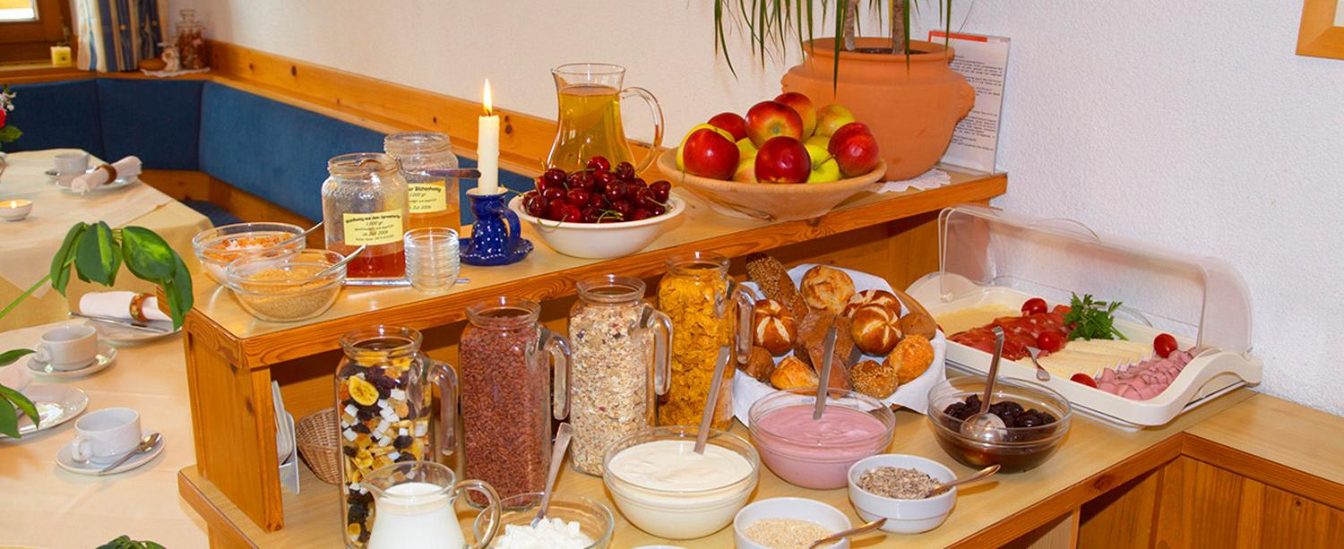 Breakfast buffet with top-quality products from South Tyrol